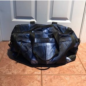 Lululemon rare  duffel bag